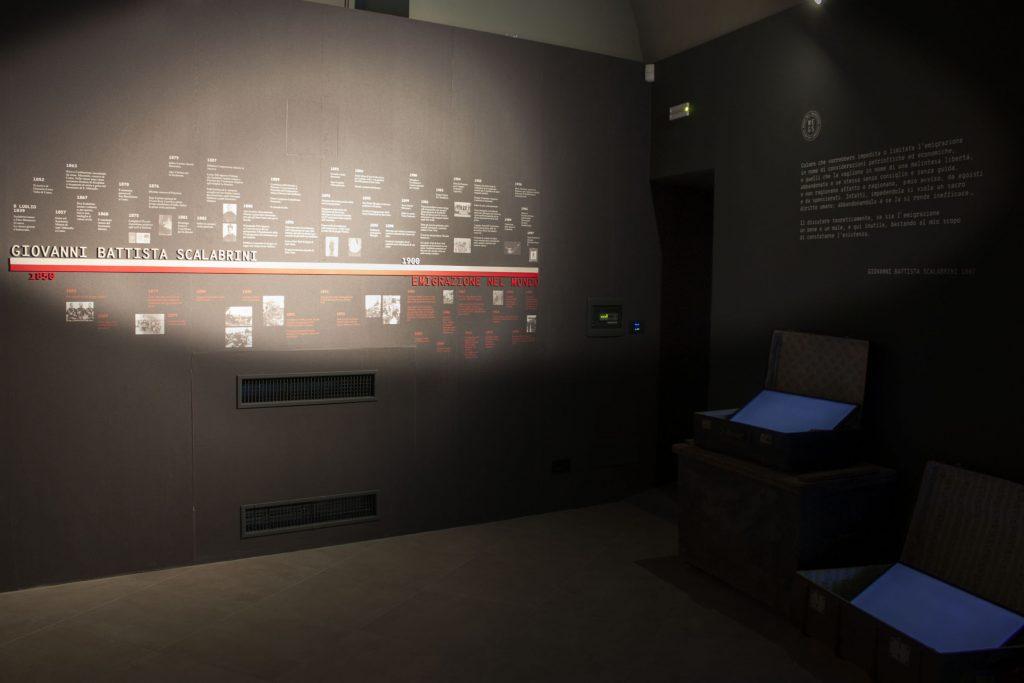 MES - Museo dell'emigrazione  - PVC semiespanso - materiali - carta da parati